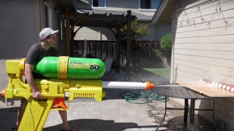 Worlds-Largest-Super-Soaker-Feature-Image-07122017